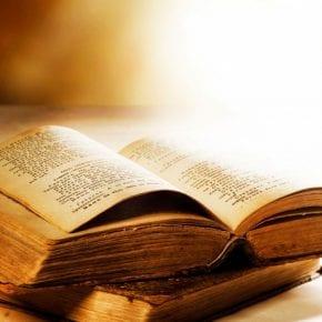Задайте вопрос большой книге предсказаний и откройте на случайной странице...