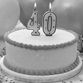Почему не стоит отмечать 40-летие? С чем связана эта примета и стоит ли ей верить?