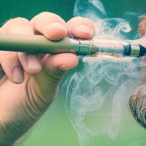 Ученые считают, что электронные сигареты действительно безопаснее обычных