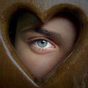 Полюбите себя, чтобы научиться любить других людей