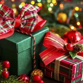 Какие подарки или презенты лучше всего положить под елочку каждому знаку Зодиака?