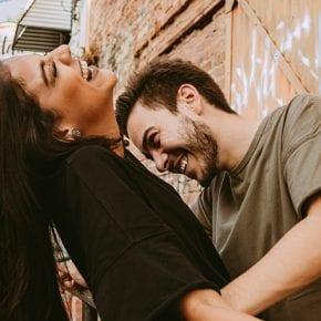 У настоящего мужчины любимая женщина всегда в приоритете
