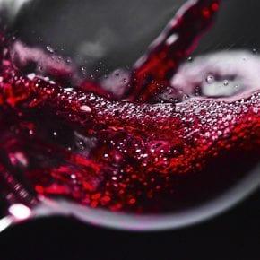 Если хотите прожить дольше 90 лет, вино поможет не меньше, чем спорт - ученые подтверждают